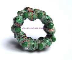 Black Friday Original ring with beads of green card - €8.00 EUR