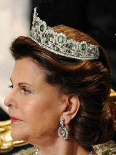 Duchess d'Angouleme's Emerald Tiara worn by Queen Silvia of Sweden.