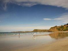 Surfing Phillip Island, Victoria, Australia Smiths Beach