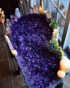 A better look at this big amethyst table beauty! Still can't believe she's in my home. Still answering Dm's regarding amethyst tables and… Crystal Magic, Crystal Healing, Amethyst Crystal, Minerals And Gemstones, Rocks And Minerals, Crystal Aesthetic, Yennefer Of Vengerberg, Crystal Decor, Crystal Altar