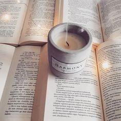 CHRISTINE ANNE COLMAN (@christine_anne_colman) • Instagram-fényképek és -videók Candle Jars, Candles, Bookstagram, Instagram, Pictures, Candy, Candle Sticks, Candle
