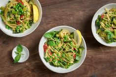 Try One-pot lemon chilli pasta with summer vegetables by FOOBY now. Or discover other delicious recipes from our category main dish. Broccoli, Chilli Pasta, Pots, Lemon Pasta, One Pot, Spaghetti Squash, Vegan Vegetarian, Zucchini, Main Dishes