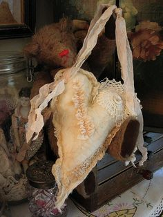 Victorian-style fabric heart hanger/sachet