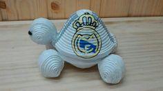 LIBRE VENTA. Esta semana le toca el turno a las tortugas futboleras. Comenzamos el desfile con los dos equipos rivales, Barça y Real Madrid. Espero que os gusten. Podéis comentarme también cuales son vuestros favoritos, así me vais dando ideas. Feliz comienzo de semana a todos!!