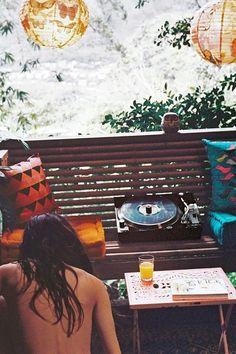 Moon to Moon: Sunday Morning Vinyl....