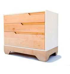Si hay algo que debemos de tener si o si en una habitación infantil es una… Unique Furniture, Furniture Design, Plywood Furniture, Bedroom Furniture, Diy Furniture, Sustainable Design, Wood Design, Commode Design, Modern Chest Of Drawers