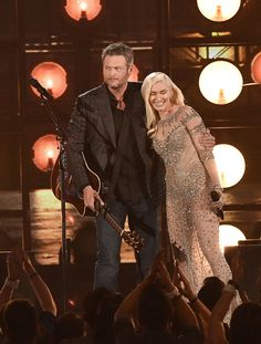 Gwen Stefani Joins Blake Shelton On Stage At His St. Paul Concert — Watch…