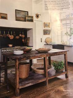 Old Kitchen, Rustic Kitchen, Country Kitchen, Antique Kitchen Tables, Kitchen Decor, Antique Kitchen Island, Renovation Design, Unfitted Kitchen, Küchen Design