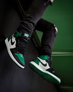 "23558647a689 Nike Air Jordan I ""Pine Green"" Jordan Basketball Shoes"