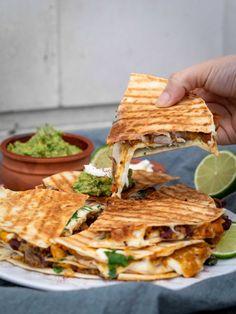 Vegetarian Sweet Potato Quesadillas (Gluten Free) – Free The Pickle – plat sal… - Vegan Sandwich Clean Recipes, Veggie Recipes, Mexican Food Recipes, Appetizer Recipes, Vegetarian Recipes, Healthy Recipes, Vegetarian Mexican, Mozzarella, Vegan Art