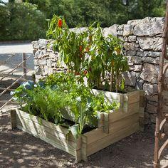 Découvrez les joies du jardinage même si vous n'avez pas de jardin... Avec ce carré potager à étages, faites poussez légumes ou plantes aromatique sur votre terrasse ou votre balcon.