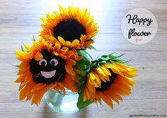 Here is a funny DIY idea for a sunny sunflower bouquet idea. Sunflower Bouquets, Happy Flowers, Some Ideas, Sunnies, Flower Arrangements, Wreaths, Halloween, Health, Funny