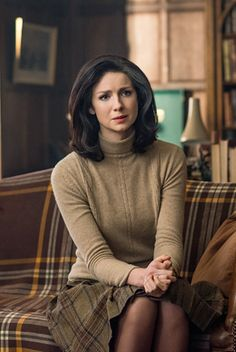 Claire Beauchamp in 2.13 (Dragonfly in Amber)