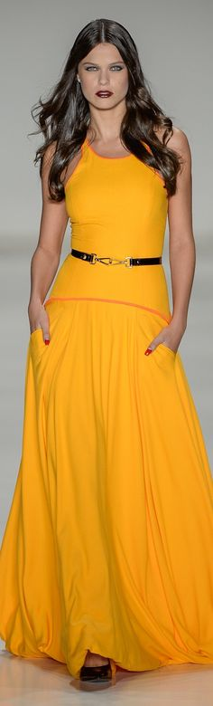 Samuel Cirnansck RTW Summer 2015 ~ Sao Paulo The beautiful saffron colour! Yellow Fashion, Love Fashion, Runway Fashion, High Fashion, Fashion Trends, Style Casual, My Style, Samuel Cirnansck, Dress Skirt
