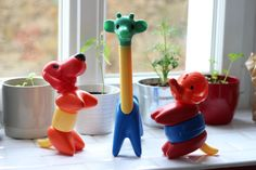 Hey, I found this really awesome Etsy listing at https://www.etsy.com/listing/232384859/tupperware-puzzle-toys-animals-one