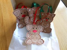 Hey, I found this really awesome Etsy listing at https://www.etsy.com/uk/listing/532663900/gingerbread-felt-cat-christmas-ornaments