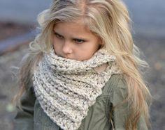 GANCHILLO PATTERN-The Bella calentador niño niño por Thevelvetacorn