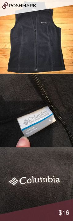 Columbia Fleece Zip Up Excellent condition fleece zip up vest. Only wore it a few times while pregnant and it no longer fits. Purchased from Columbia store. Looks great. Columbia Jackets & Coats Vests