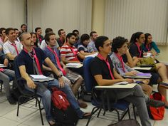 Alunos e professores da FEA/USP passaram a usar gravatas na cor de rosa em protesto simbólico contra casos de preconceito envolvendo estudantes homossexuais.