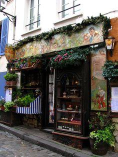 restaurant+le+poulbot+in+Montmarte.jpg (480×640)