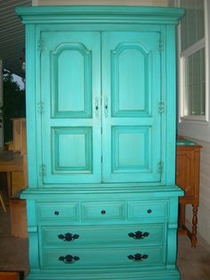 Cozumel aqua flat paint with minwax jacobean stain! I have a similar piece of furniture that would be perfect in this color! Turquoise Painted Furniture, Turquoise Painting, Turquoise Dresser, Aqua Paint, Paint Colors, Furniture Projects, Home Projects, Diy Furniture, Painting Furniture