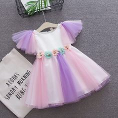 Flower Patchwork Baby Girls Toddler Tulle Princess Dress For Years is cheap, come to NewChic and buy cute flower girl dresses now! Baby Girl Birthday Dress, Baby Girl Party Dresses, Birthday Dresses, Baby Dress, Baby Tutu Dresses, Dress Girl, Cute Flower Girl Dresses, Girl Dress Patterns, Tulle Dress
