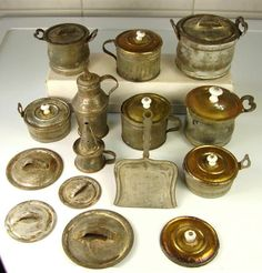 Viele Antike Puppenküchen Töpfe Blech Porzellan Knauf vor 1945