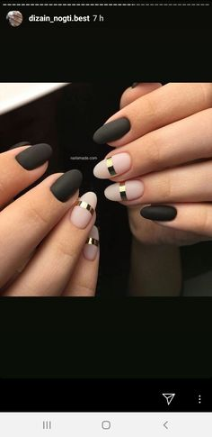 7 Best Matte Nail Polish Ideas - Matte Nails Ideas to Try Black Gold Nails, Pink Nails, Matte Black, Nail Black, Easy Nails, Simple Nails, Stylish Nails, Trendy Nails, Beautiful Nail Art