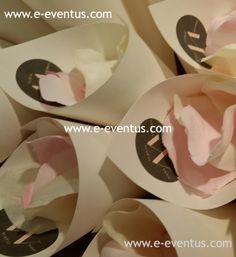ideas · boda ·  casament · detalles · personalizados · barcelona · tienda  de detalles de boda · botiga · detalls casament · diseño · convidats · invitados · regalo · conos · papel · paterna · diseño · pétalos · arroz