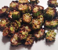 OVEN-BAKED OKRA CHIPS http://whatmelissaiscooking.blogspot.com/2015/07/oven-baked-okra-chips.html?spref=fb&m=1
