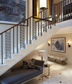 Portfolio: Wohnung in Lancaster Gate – Helen Green Design - luxuryapartment Staircase Railing Design, Modern Stair Railing, Home Stairs Design, Balcony Railing Design, Staircase Handrail, Window Grill Design, Modern Stairs, Interior Stairs, House Design