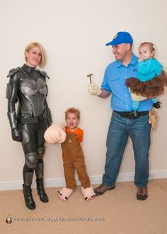 Homemade Wreck-It Ralph Family Costumes Purim Costumes, Halloween Costumes To Make, Halloween Costume Contest, Homemade Costumes, Family Costumes, Group Costumes, Baby Costumes, Costume Ideas, Halloween 2016