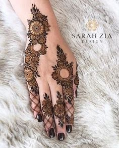 Mehndi Designs: Simple And Easy Henna Henna Hand Designs, Mehndi Designs Finger, Modern Henna Designs, Henna Tattoo Designs Simple, Mehndi Designs 2018, Mehndi Designs For Beginners, Mehndi Designs For Girls, Mehndi Design Photos, Mehndi Designs For Fingers