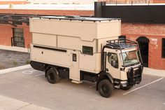 Off Road Camper, 4x4 Off Road, Medium Duty Trucks, Overland Trailer, Expedition Vehicle, Diy Camper, Interior Photo, Campers, Photo Galleries