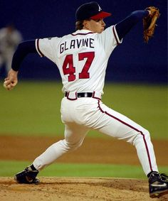 Tom Glavine was one of the best pitchers of baseball. Mlb Players, Baseball Players, Braves Baseball, Baseball Field, Tom Glavine, Sports Stars, Atlanta Braves, Sport Girl, Sport Outfits