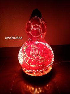 海の泡となってしまう・・・人魚姫ひょうたんのランプの中では・・・まばゆい灯りとなって、いついつまでも輝き続けることでしょう。天然ひょうたんを使ったランプです。...|ハンドメイド、手作り、手仕事品の通販・販売・購入ならCreema。