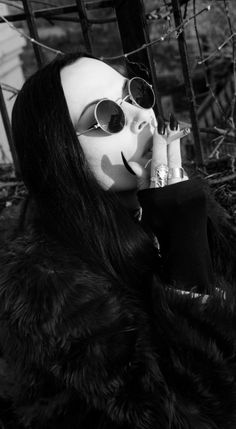 .http://pinterest.com/balsagoth74/rockers-goth-and-inked-beautys/