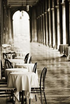 Life (?) at #table : #Venice B/W .