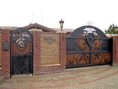Вот такие ворота и калитку отковали по проекту архитектора с небольшими техническими доработками. #Metalmade