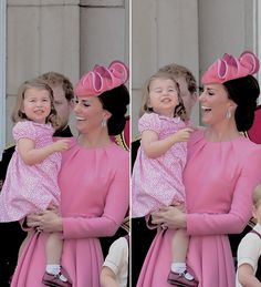 The cutest cupcake, Princess Charlotte is caught cheesin' it up for the planes as they fly over Buckingham Palace ♡ William Kate, Prince William And Kate, Duchess Kate, Duke And Duchess, Duchess Of Cambridge, Prince And Princess, Princess Diana, Royals Today, Princesa Kate