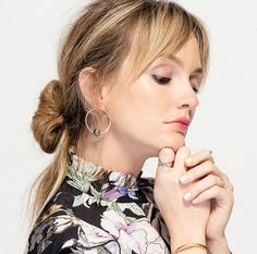 """Leighton Meester on Feminism and Her """"Anti-Gwyneth"""" Beauty Routine Celebrity Jewelry, Celebrity Beauty, Gossip Girl, Leighton Meester, Lady Grey, Beauty Editorial, Beauty Routines, Feminism, Hair Inspiration"""