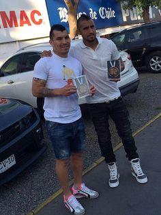 Gary Medel con Vidal