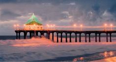 Holiday lights on the Manhattan Beach pier Manhattan Beach California, Great Places, Beautiful Places, California Christmas, Concrete Jungle, Holiday Lights, Wonderful Time, Cool Pictures, Round House
