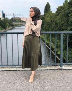 Modern Hijab Fashion, Street Hijab Fashion, Muslim Fashion, Skirt Fashion, Fashion Outfits, Hijab Casual, Hijab Chic, Hijab Style Dress, Dress Indian Style