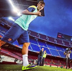 he is also a legend neymar with barcelona Sport Football, Football Boots, Messi And Neymar, Sports Stars, Best Player, Fifa World Cup, Fc Barcelona, Football Players, Gorgeous Men