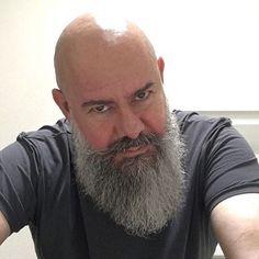 The Beard & The Beautiful Shaved Head With Beard, Bald With Beard, Bald Men, Grey Beards, Long Beards, Barba Grande, Beard Game, Beard Look, Bald Hair