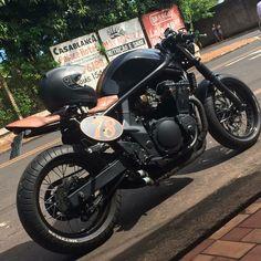 Bandit Suzuki cafe racer made by 57garage