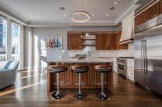 76 Oriole Road - Kitchen Island Bar