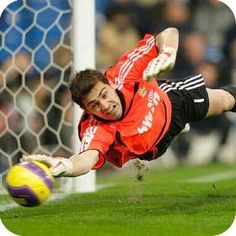 Iker Casillas Fernández (born 20 May is a Spanish football goalkeeper who plays for and captains both La Liga club Real Madrid and the Spanish national. Soccer Goalie, Youth Soccer, Play Soccer, Football Soccer, Football Players, Soccer Stuff, Mundial Football, Soccer Banquet, Motivational Soccer Quotes