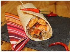 Fajitas au poulet, haricots rouges, piments et guacamole